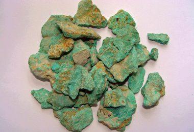 Malaquita ( Cu2CO3(OH)2 )